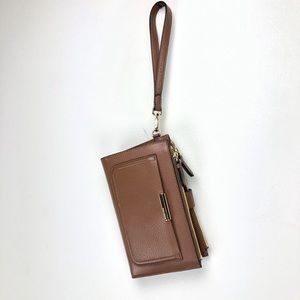 NEW Vince Camuto Camel Wristlet Wallet Pockets